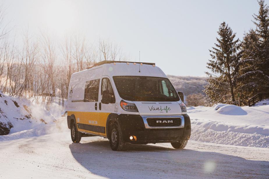 Les véhicules de VanLife Mtl sont vraiment adaptés à l'hiver.