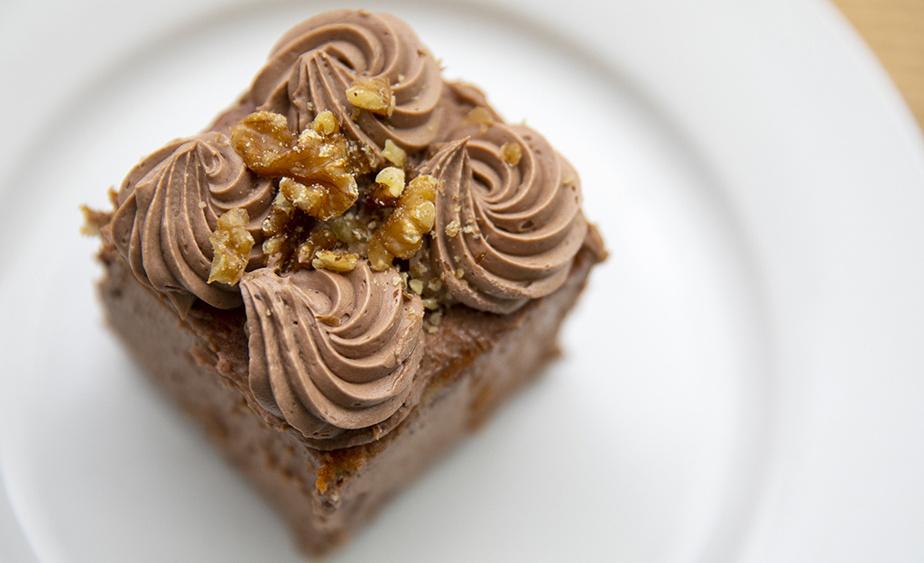 Les desserts sont extrêmement populaires au Laurier BBQ, particulièrement l'iconique gâteau moka!