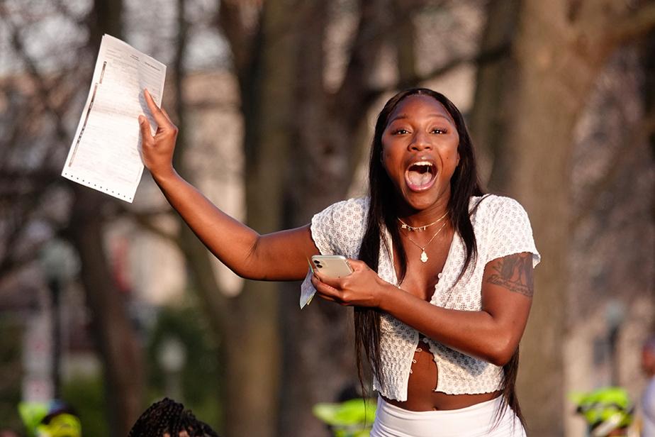 Fatima Keita et ses amies ont reçu une amende de 1550$ pour non-respect des consignes sanitaires au parc Jeanne-Mance samedi dernier. Elle entend contester la contravention.