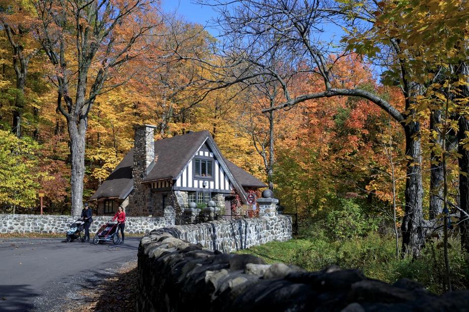 L'ancienne Maison Murray servait de point d'entrée pour la montagne avant l'implantation du parc.