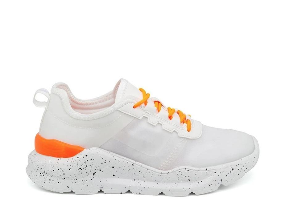 Le sneaker proposée par Atelier Murri est en anteline, un matériel végane.