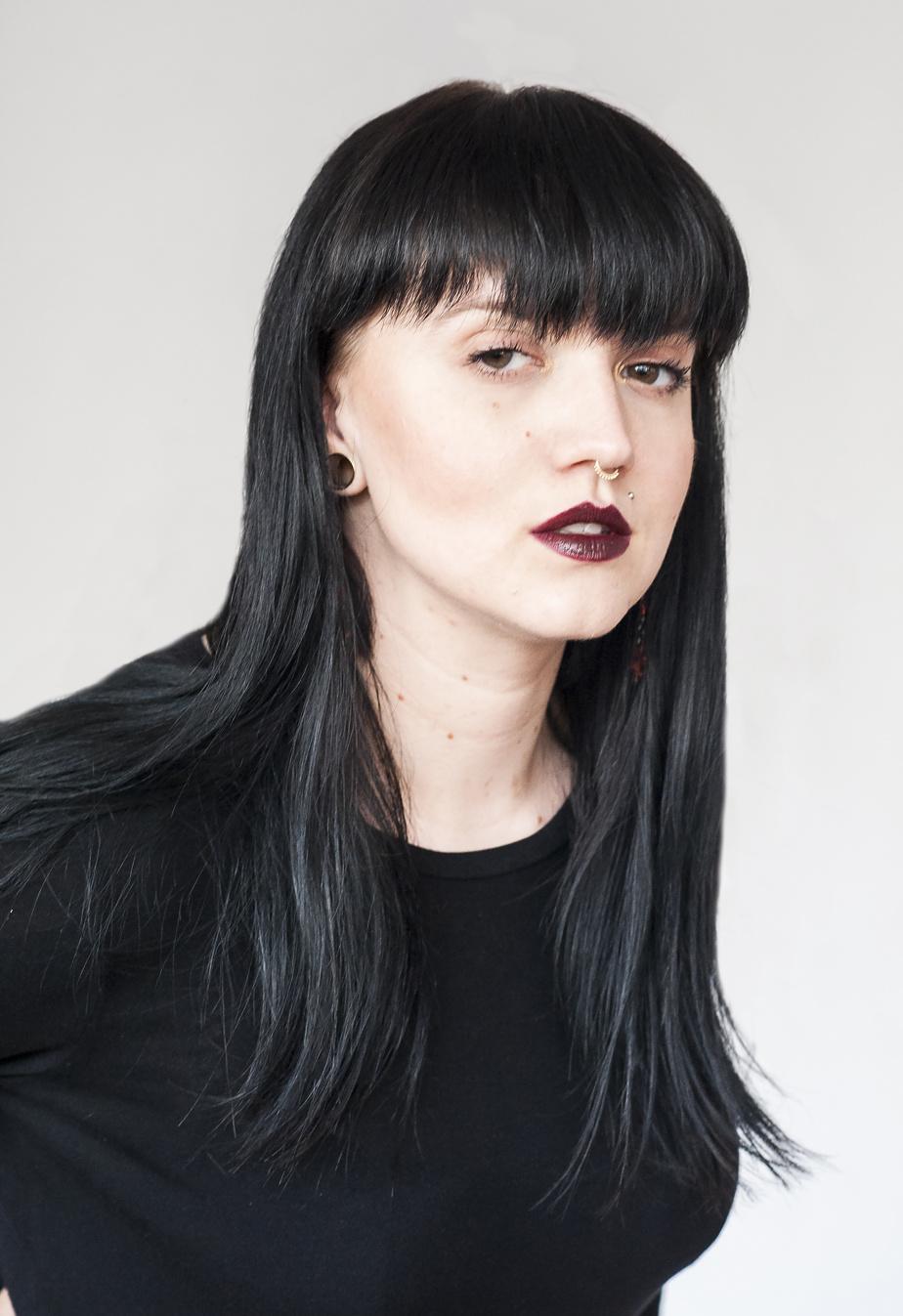 L'artiste montréalaise bispirituelle d'origine métisse, saulteuse et polonaise Dayna Danger.