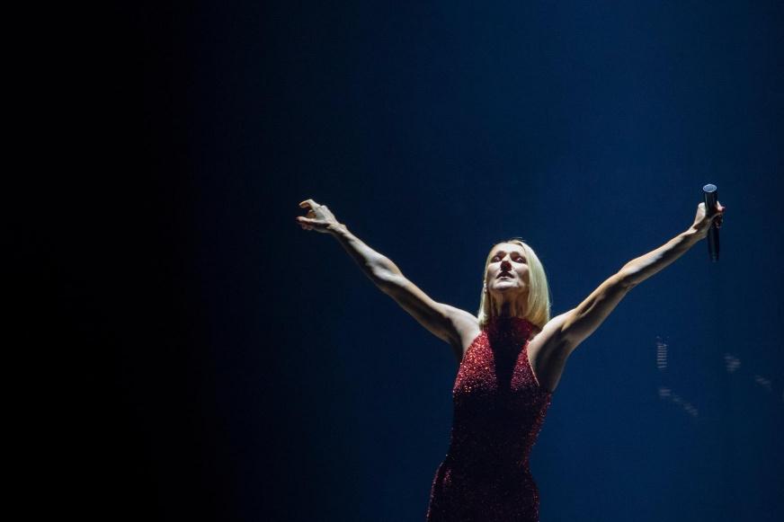 Céline Dion dévoile le vidéoclip de sa chanson Courage — REGARDEZ