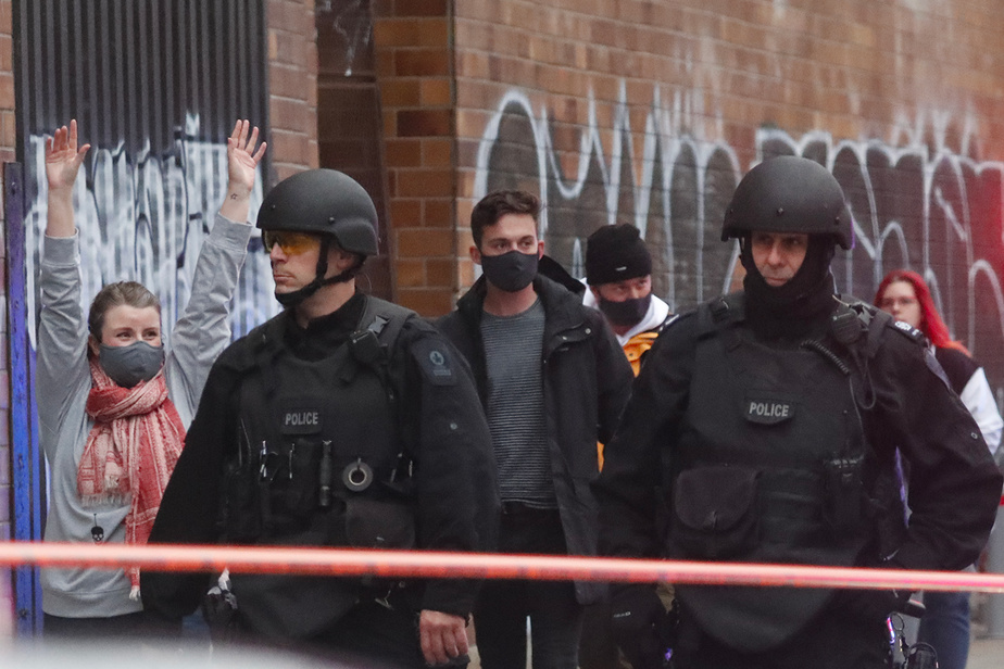 Une importante intervention policière a semé l'émoi, vendredi, dans le bâtiment abritant les locaux d'Ubisoft dans le MileEnd, à Montréal.