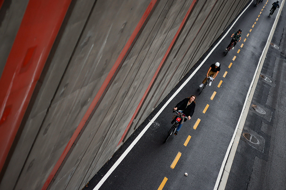Vue de la piste cyclable de la rue Berri, à Montréal