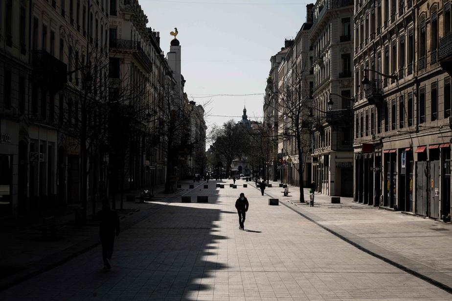 Coronavirus: la France se confine