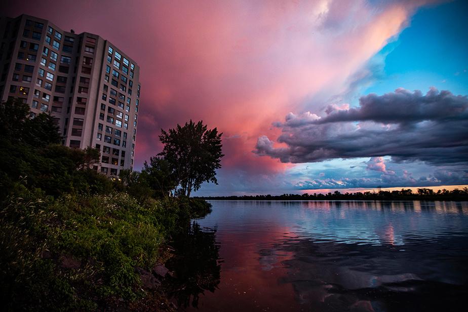 Le ciel était coloré après une averse de fin de journée, le jeudi30juillet.
