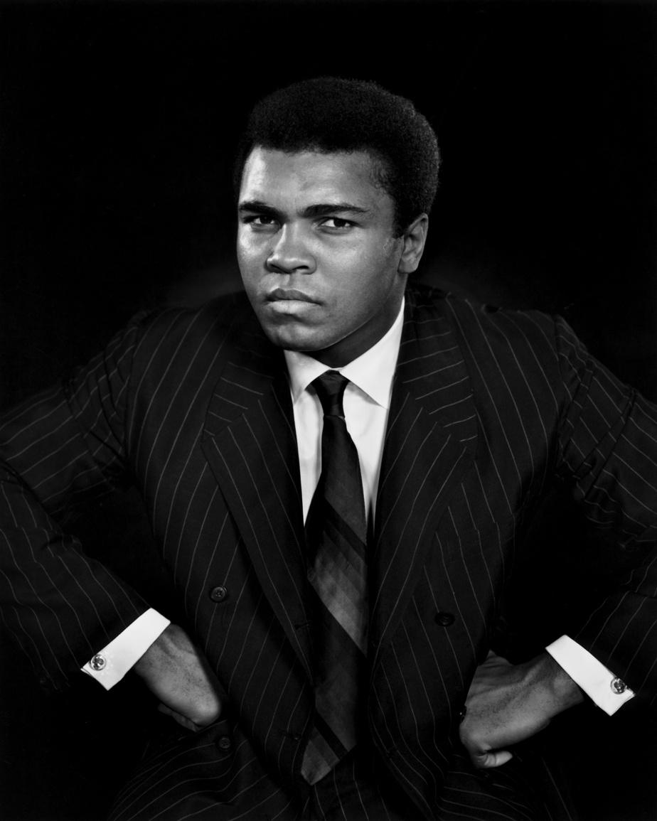 Muhammad Ali, 1970, épreuve à la gélatine argentique, 60,9cm x 50,8cm. Don d'Estrellita Karsh à la mémoire de Yousuf Karsh.