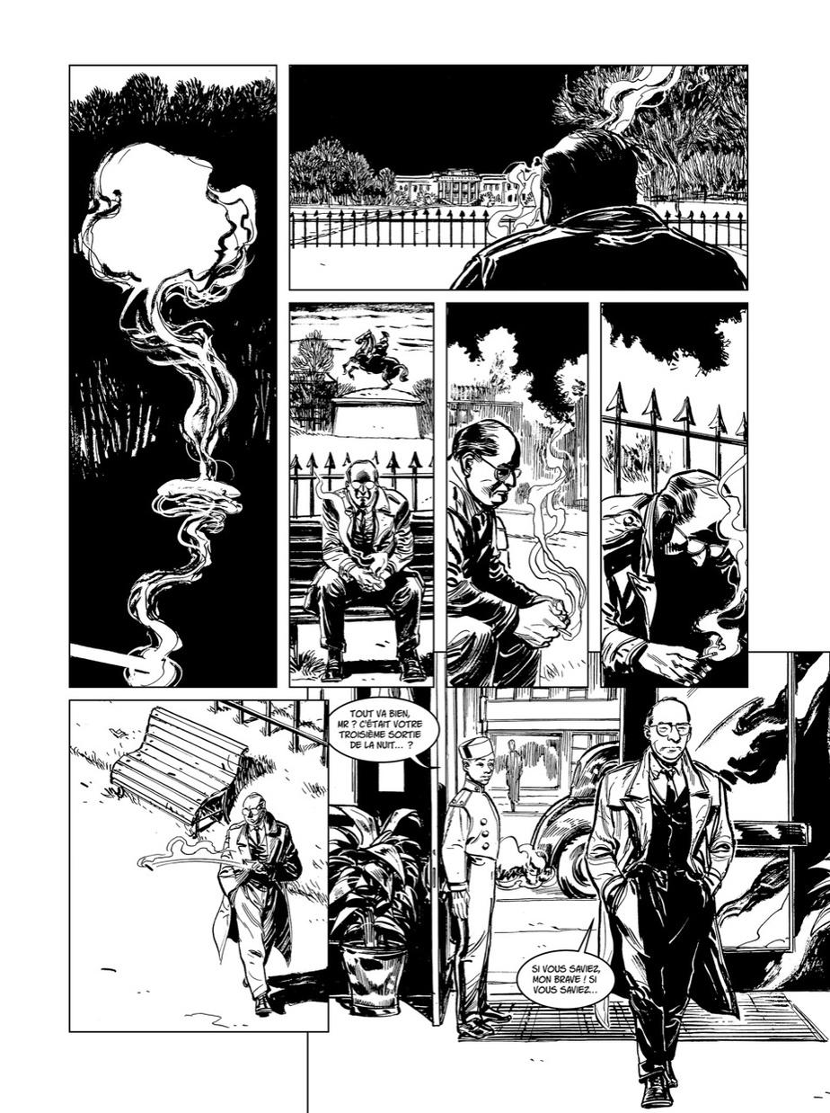 «Le format du roman graphique offre plusieurs possibilités, dit Denis Rodier. Il nous permet certaines allégories, certains jeux graphiques pour aller dans l'émotion. J'ai pu prendre le temps de suggérer des choses, comme ici, avec la fumée de cigarette d'Alexander Sachs, qui allait convaincre le président Roosevelt de partir le projet Manhattan.»