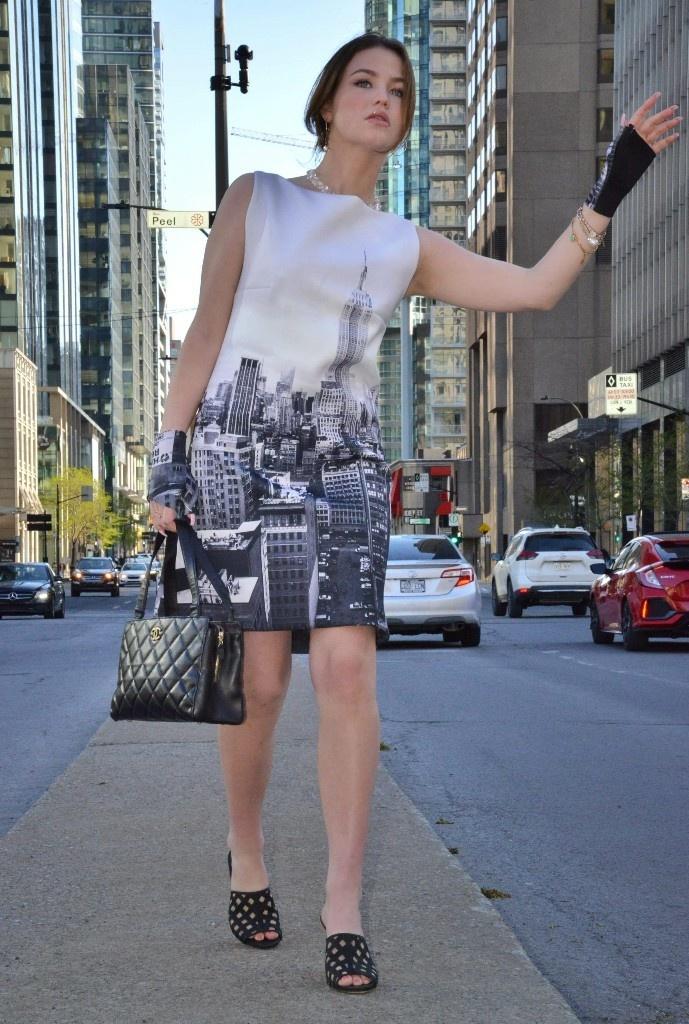Robe en néoprène à imprimé de paysage new-yorkais photographié par Christian Chapot