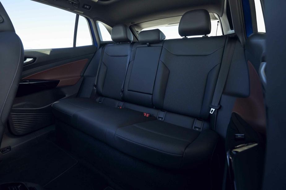 L'espace à l'arrière impressionne tout autant le conducteur que la modularité des dossiers de la banquette.