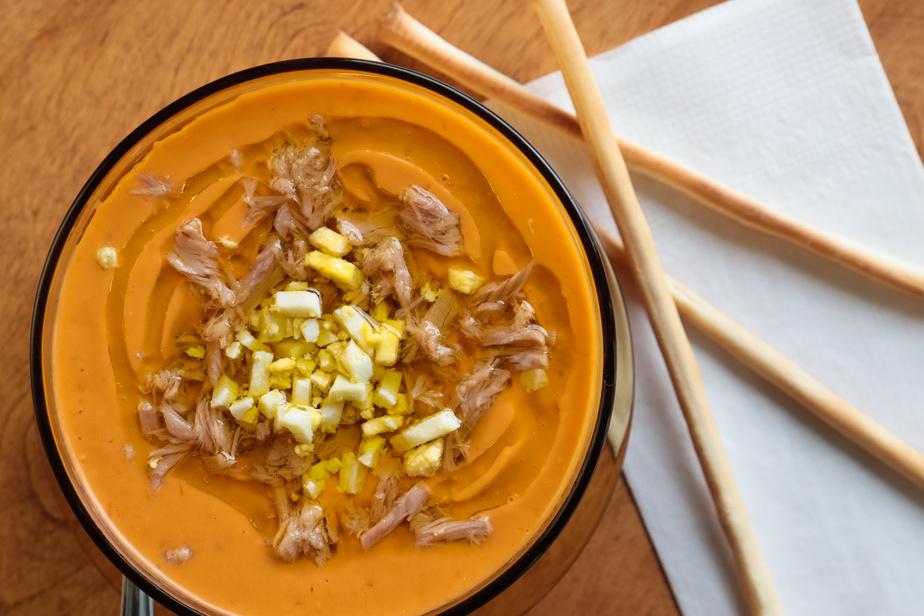 Autre nouveauté, une soupe froide de tomates andalouse et ses garnitures, la porra antequerana