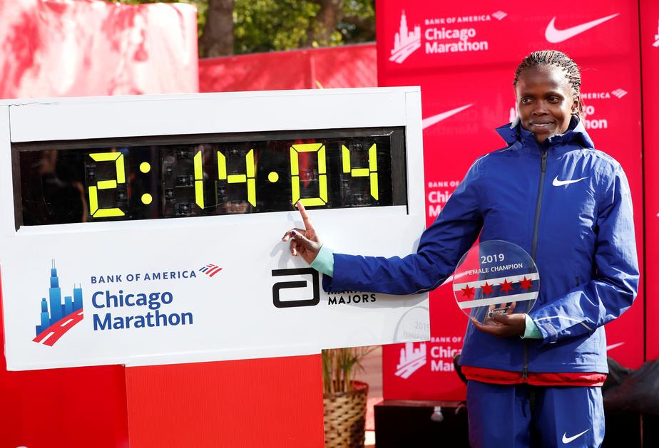 Kosgei atomise le record du monde féminin — Marathon