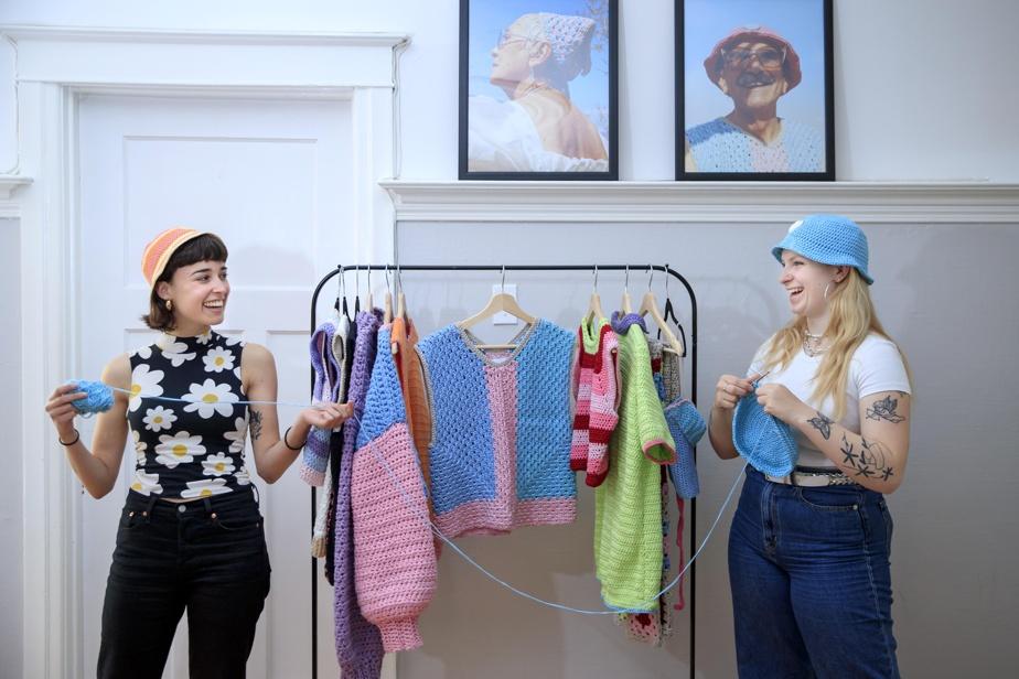 Mélanie Loubert et Magalie Billardon, les deux filles derrière Mamé, marque de vêtement faits au crochet.
