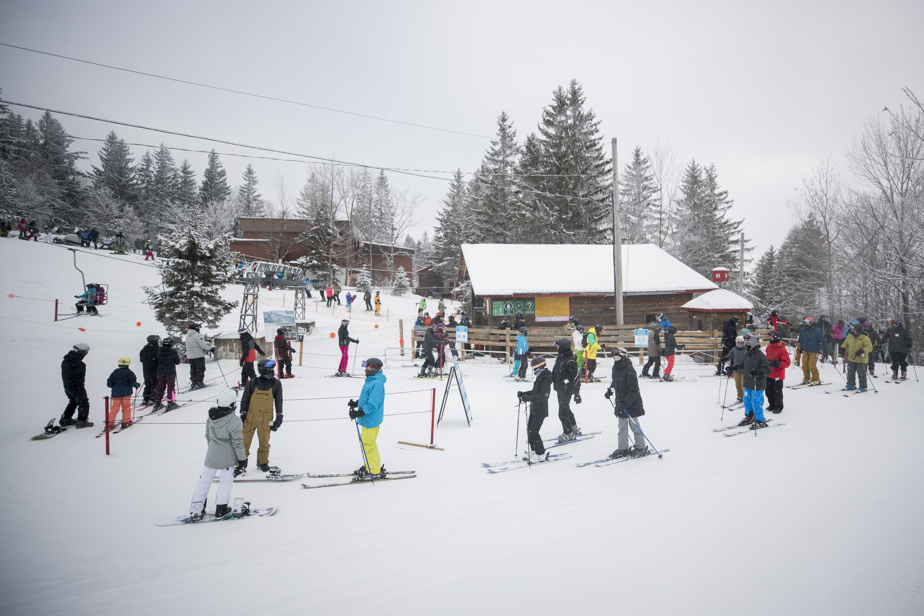 La remontée principale est restée fermée jusqu'au 9janvier en raison d'un bris mécanique, au grand dam des skieurs, causant de très longues files d'attente aux bas des pentes.