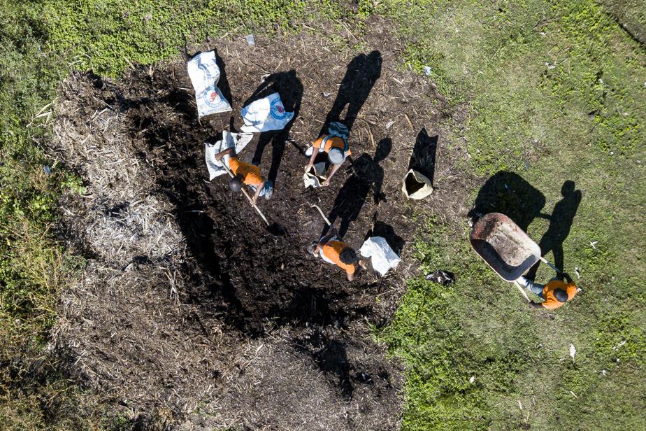 Le centre de tri et de compostage de Dubré compostera notamment la bagasse, du fumier, des déchets organiques des marchés de la région, ainsi que des résidus alimentaires.