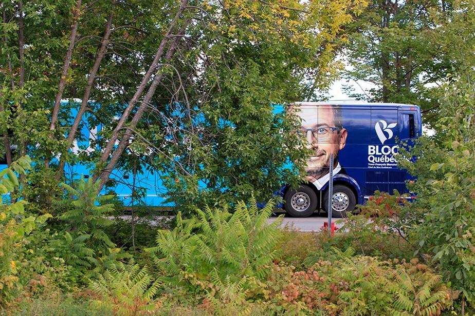 Le chef du Bloc québécois, Yves-François Blanchet, a visité l'entreprise Lion Électrique, à Saint-Jérôme, jeudi, en compagnie du député bloquiste Rhéal Fortin.