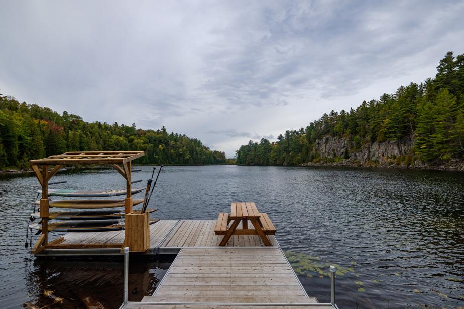 On trouve deux lacs cristallins sur le territoire de BESIDE Habitat Lanaudière. Il est possible de s'y baigner, d'y pêcher, de faire du kayak et de la planche à pagaie, entre autres.