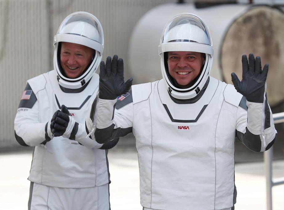 Retour sur Terre réussi pour les deux astronautes américains — SpaceX