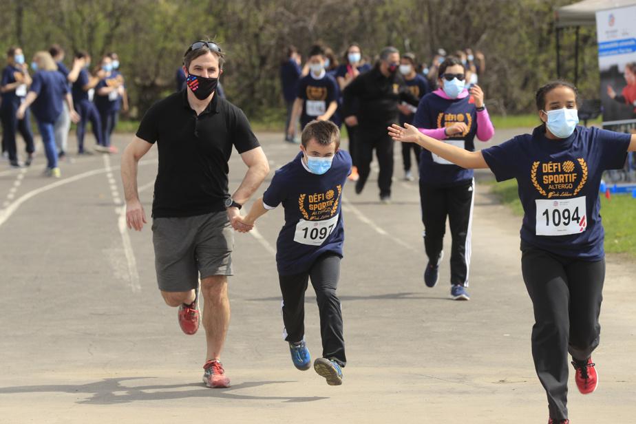 Le ministre du Patrimoine canadien, Steven Guilbeault, a pris part à la première course en matinée.