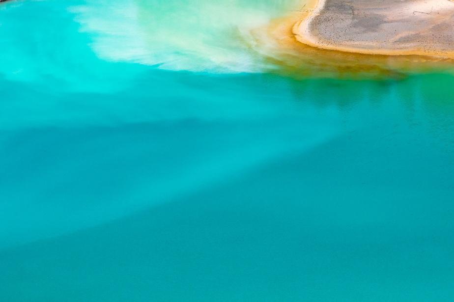 Ces eaux turquoise s'apparentant à celles des îles Fidji proviennent d'une carrière d'agrégats près de Sherbrooke, en Estrie.