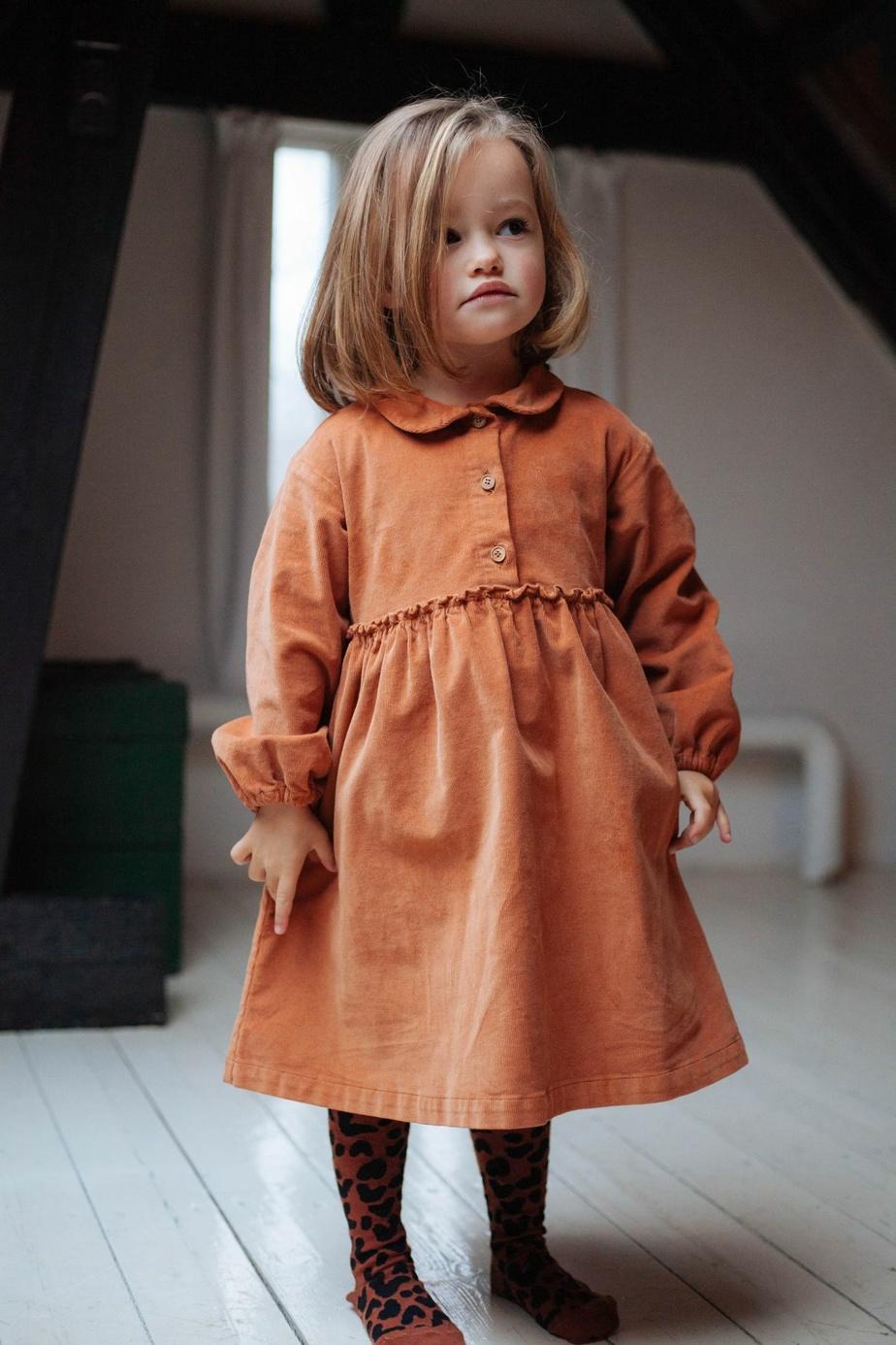 L'entreprise montréalaise d'économie circulaire Mini-Cycle propose des vêtements de seconde main ou neufs pour les enfants de 0 à 12ans et offre la possibilité de racheter nos vêtements pour enfants une fois qu'ils sont trop petits. De nombreuses marques d'ici et d'ailleurs sont à découvrir sur le site ou encore à la boutique, située dans Saint-Henri.