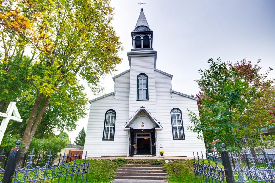 Le bâtiment a conservé son apparence d'église, mais il a aujourd'hui une autre fonction.