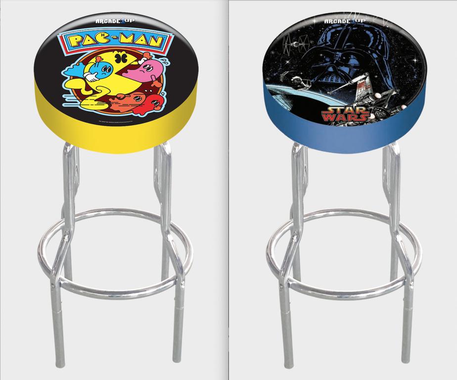 Il existe aussi des sièges de bar assortis, où sont reproduits les thèmes de certains jeux.