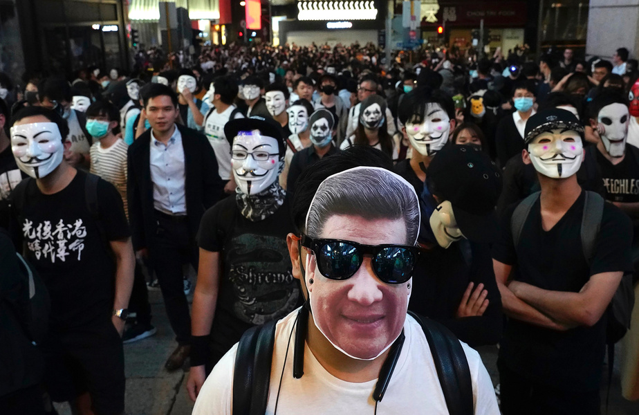 Attaque au couteau contre des manifestants prodémocratie — Hong Kong