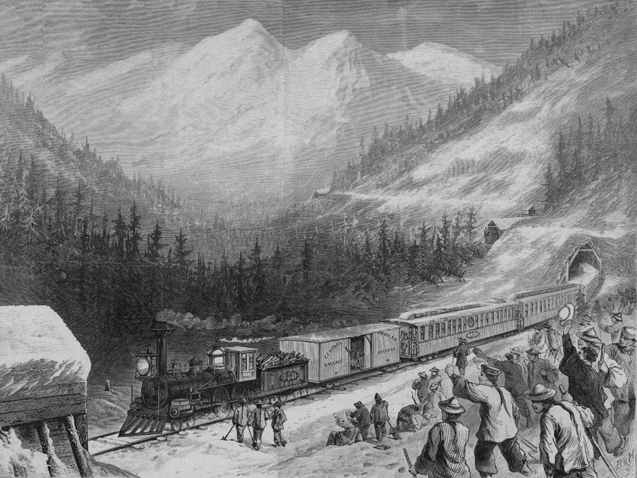 Le chemin de fer à moitié prix L'histoire est bien connue. Au tournant du XIXe siècle, des travailleurs chinois, qui fuyaient la sécheresse dans le sud de leur pays d'origine, ont porté en grande partie sur leurs épaules la construction des chemins de fer canadiens. Ce qu'on sait moins, c'est que ces ouvriers gagnaient la moitié du salaire des Blancs. Ce maigre salaire, ils étaient 15000 à l'envoyer presque en entier à leurs familles restées en Chine. La réaction des Blancs à cette injustice? Accuser les Chinois de leur voler leurs jobs parce qu'ils coûtaient moins cher à leur employeur. Sur la photo: construction de la Transcontinental Railroad, aux États-Unis.
