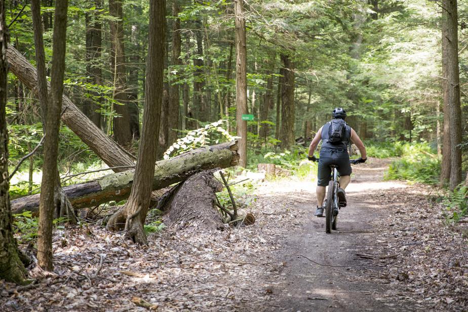 Amoureux du vélo de montagne, Marcel Richard se souvient du premier réseau, qui a accueilli le Championnat canadien de vélo de montagne en 1988.