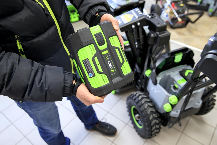L'appareil inclut deux batteries de 7,5ampères.