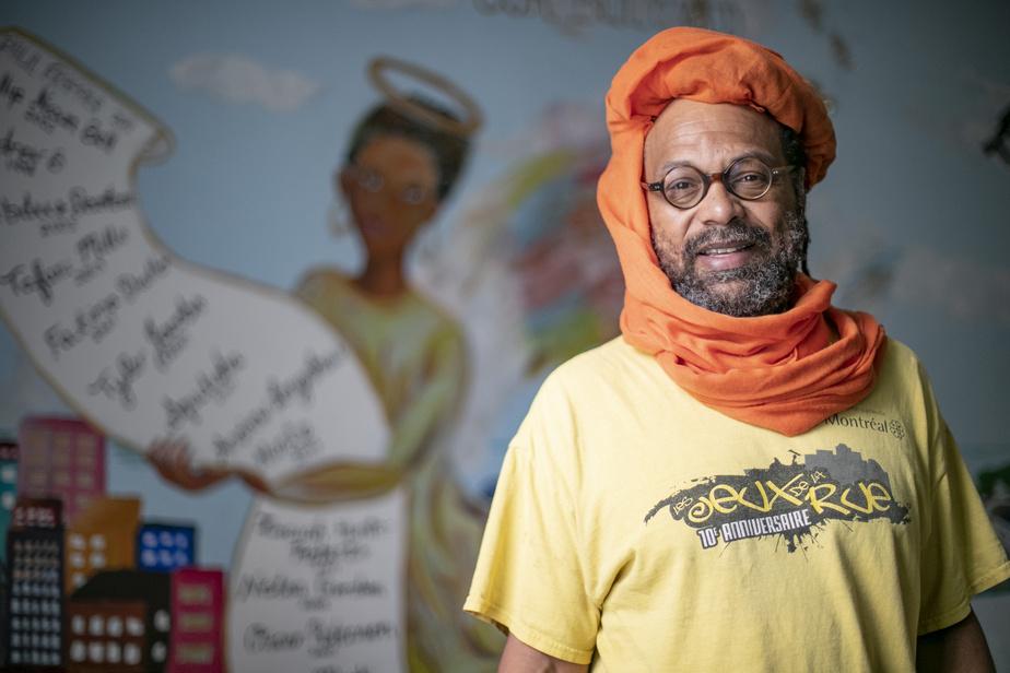 MichaelFarkas, président du conseil d'administration du Mois de l'histoire des Noirs, a pris contact avec l'organisme MU pour réaliser une œuvre murale à l'effigie de NelsonMandela dans la Petite-Bourgogne, à Montréal.