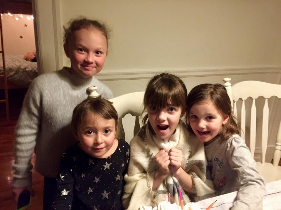 Jeanne et Ellie (à gauche), les filles d'Alexis et d'Ève, et Charlotte et Juliette, les filles d'Olivier et d'Andrée-Anne