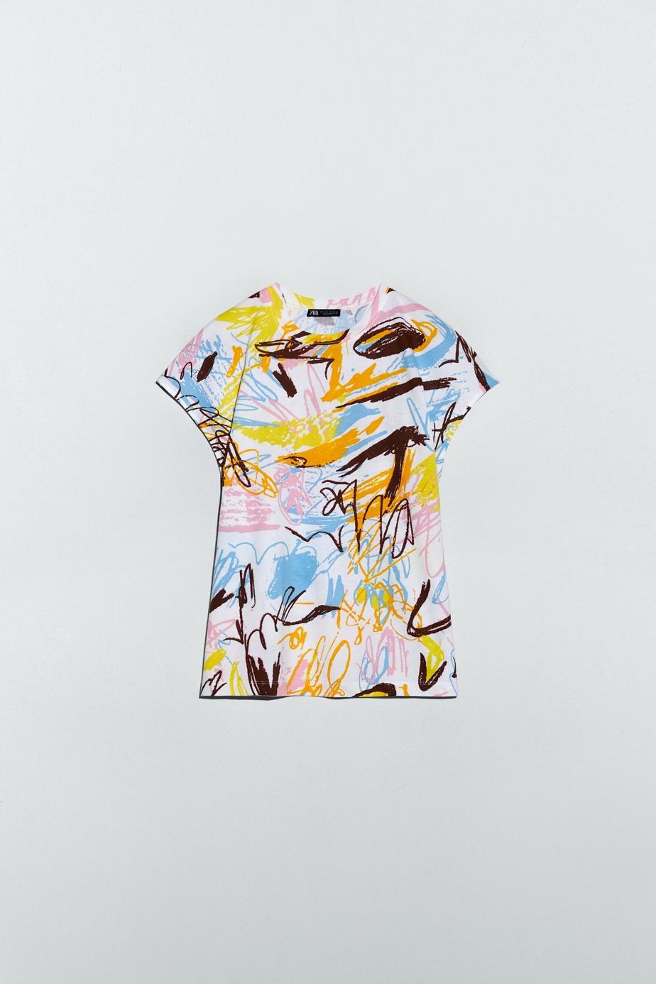 T-shirt graffiti noir et blanc, Zara, 19,90$