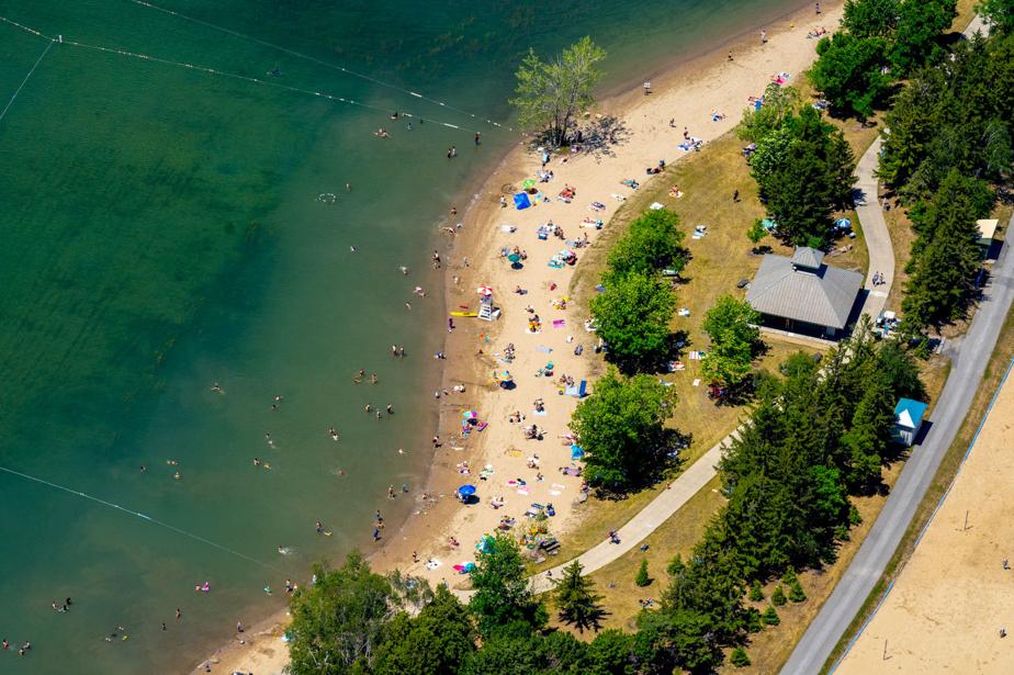 La plage Jean-Doré, tout près du circuit Gilles-Villeneuve, au parc Jean-Drapeau, à Montréal