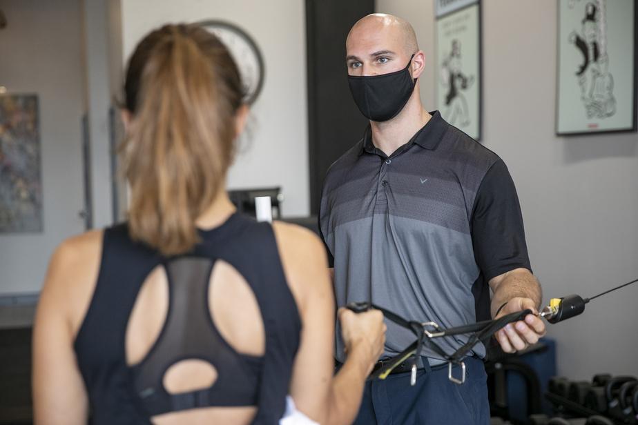Exercice de renforcement de la coiffe des rotateurs, pour réduire les douleurs aux épaules