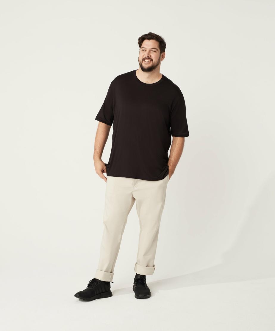 T-shirt en jersey (polyester et spandex), 90$