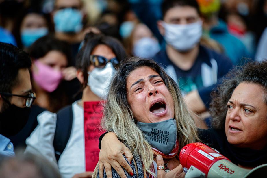 5août2020. Rassemblement au square Dorchester, à Montréal, en solidarité avec le Liban, où viennent de se produire de violentes explosions meurtrières.
