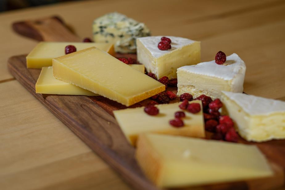 Une visite de Saint-Élizabeth-de-Warwick n'est pas complète si on n'a pas goûté aux fromages du Presbytère.