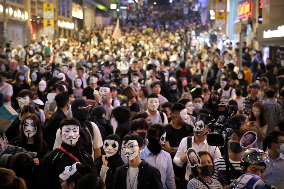Hong Kong: nouvelle journée émaillée d'incidents, six blessés dans une violente bagarre