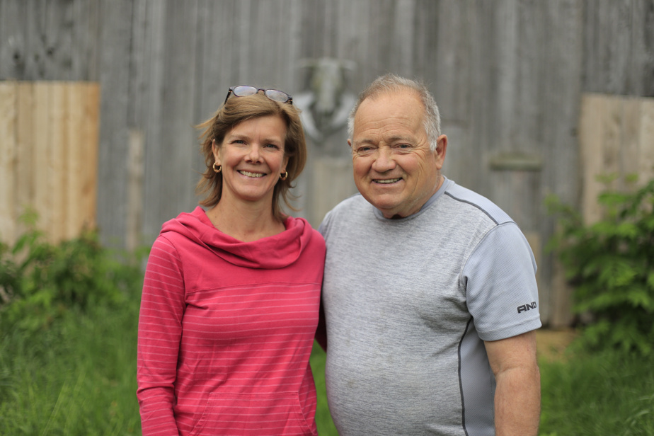 Nancy Gauthier et Robert Brien accueillent les visiteurs dans leur vignoble de Saint-Joachim-de-Shefford.