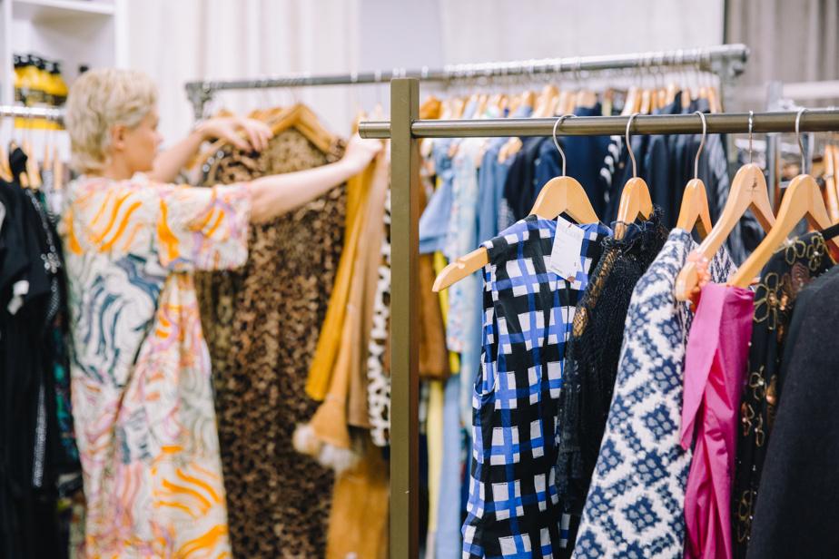 Lolita Dandoy magasine dans l'espace RELUXE du Chaînon.