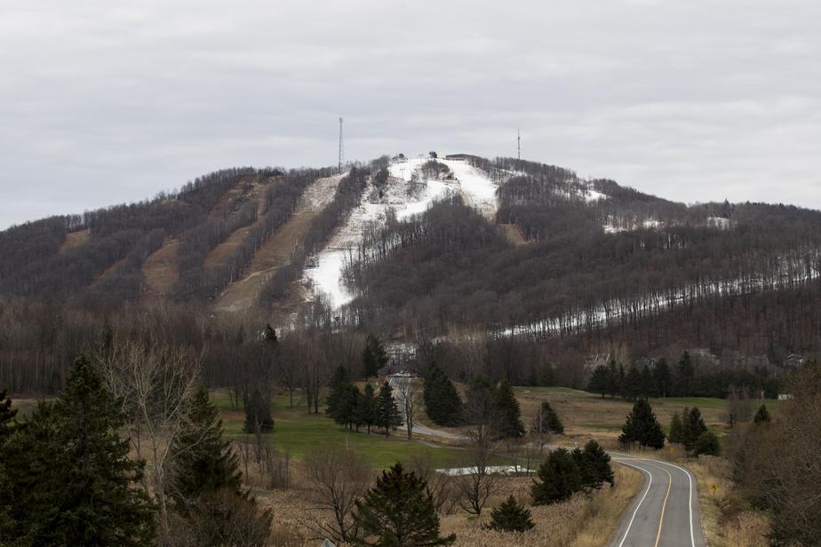 À Bromont, les opérations d'enneigement artificiel ont été lancées à la mi-novembre.