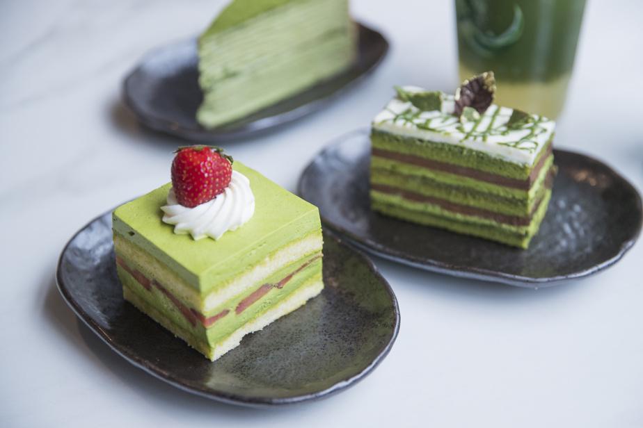 De nombreux petits gâteaux, qui ont tous en commun le matcha, sont offerts sur place.