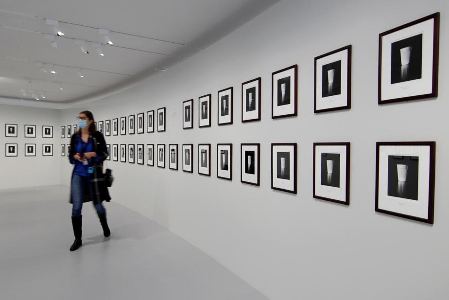 L'installation photographique Helms Amendment, 1989, de Louise Lawler