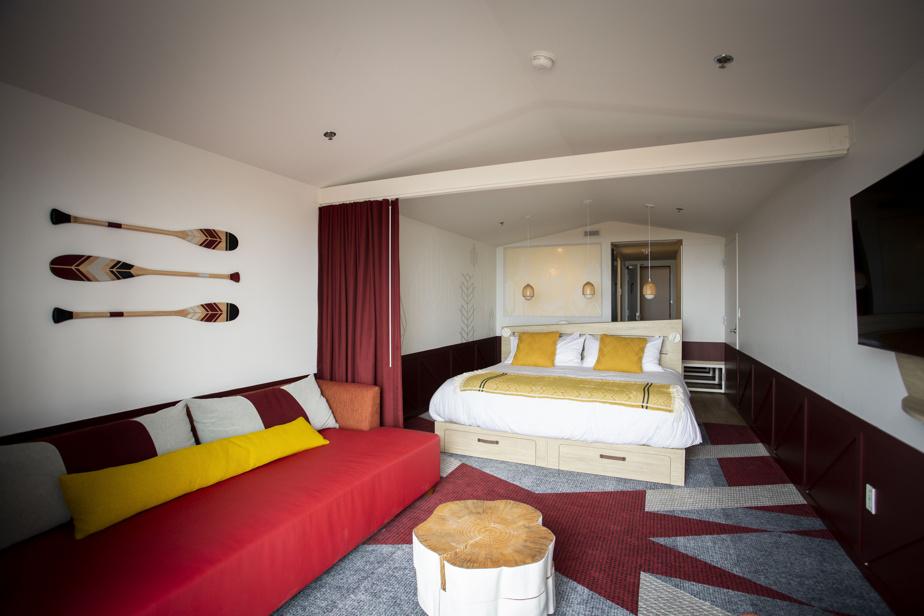 Les chambres sont ergonomiques et décorées de façon originale, à défaut d'être grandes.