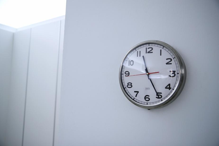 Random Clock, de Bertrand Planes, à Place Victoria