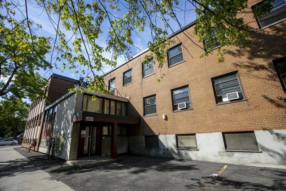 Le nouveau Grand Séminaire de Montréal, à l'angle des rues Boyer et Bélanger dans Rosemont-La Petite-Patrie.