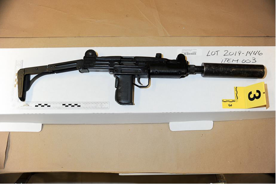 Un arsenal de guerre a été découvert par les enquêteurs de la Sûreté du Québec à Laval en septembre2019, durant l'enquête sur les meurtres des frères Vincenzo et Giuseppe Falduto.
